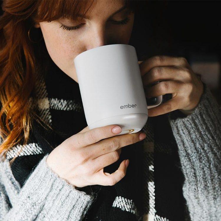 飲み物の温度をキープするマグカップ。専用アプリにも連携