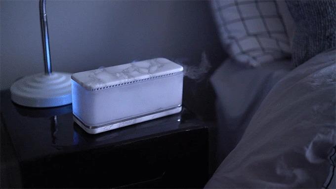 室内用睡眠促進デバイス「Sleepie」。音と香りと光で安眠・起床をサポート