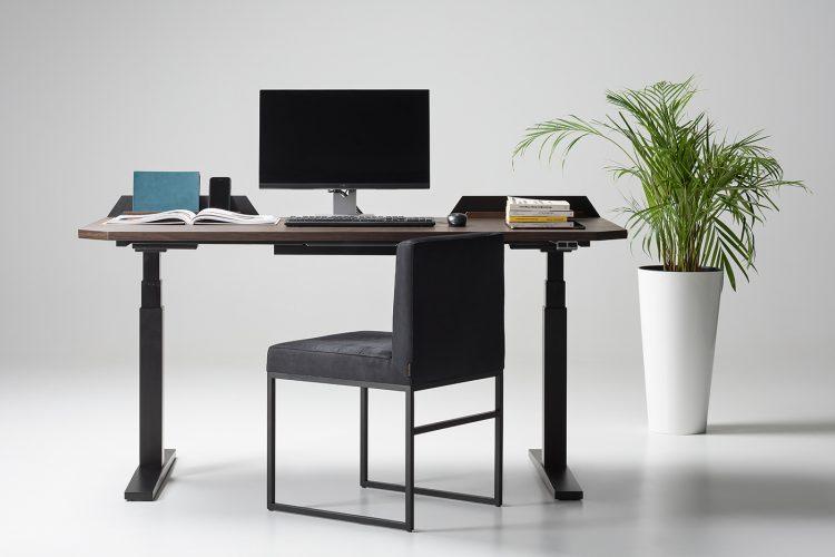 機能もデザインも秀逸な昇降式スタンディングデスク「UFO Desk」
