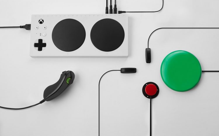 障害の有無を問わないゲームコントローラー「Xbox Adaptive Controller」