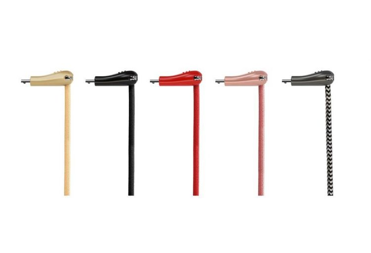 断線問題への新提案!90°の折り曲げ可能な充電ケーブル「USB93」