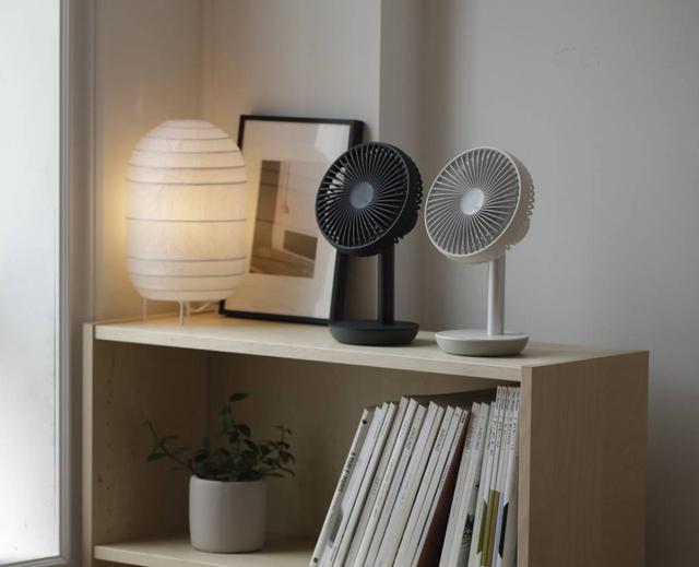 オシャレで小型な「ルーメナー扇風機」。最大で8m先まで届く風量も魅力