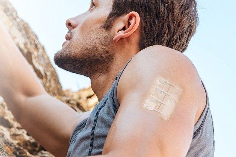 貼るだけ簡単。怪我の手当てに役立つ緊急縫合キット「ZipStitch」