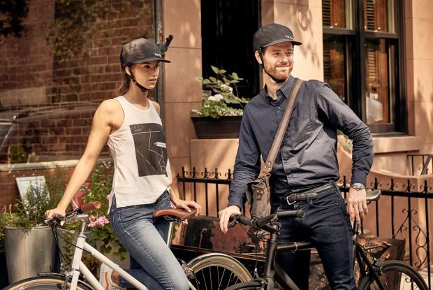 見た目はほぼ帽子!折りたたんで持ち運べるお洒落なヘルメット「Park & Diamond」