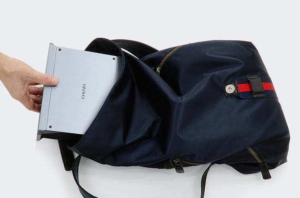 片手で運べる高性能PC「HiGame」。VRとの連携にも対応する実力派