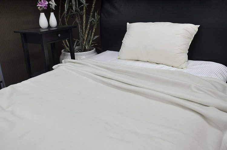 シルク毛布のおすすめ9選。肌触りのよいアイテムで冬を乗り越えよう