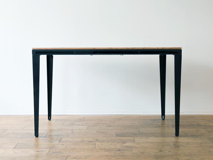 ノックで家電を操作する家具「Smart Table」。IoTテーブルの登場