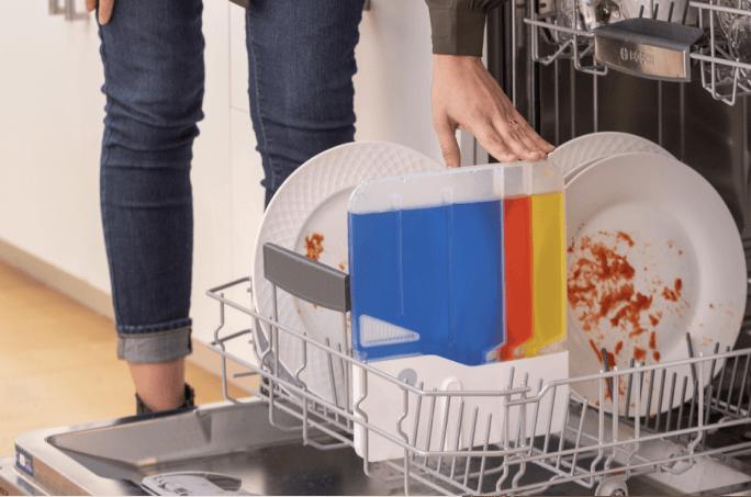 アプリで配合をカスタマイズ!AI搭載の食洗機用洗剤「Somat Smart」