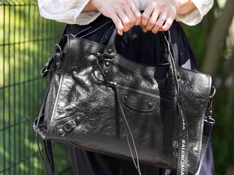 バレンシアガのバッグおすすめ19選。オンオフ問わず大活躍する人気ブランド