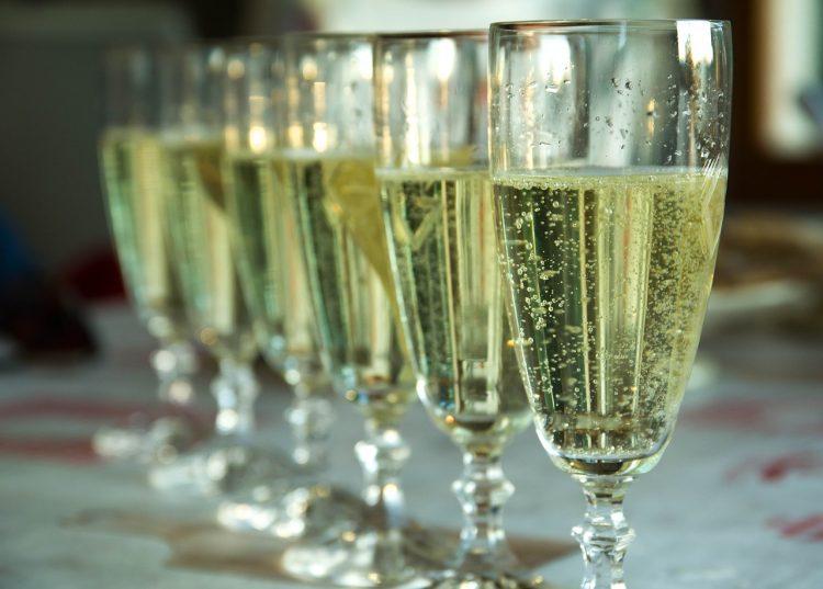 シャンパンのイメージ