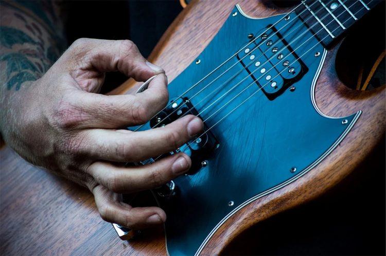 SGギターのおすすめ13選。弾きやすいモデルをご紹介