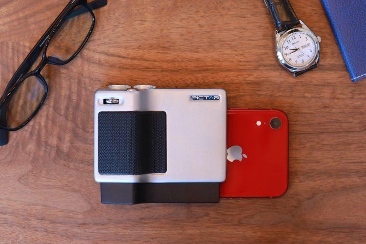 【レビュー】操作感はまるで本物のカメラ!スマホにセットして使う「Pictar Pro」