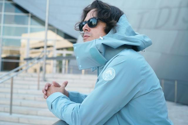 旅を快適にする服。防寒・睡眠・収納をサポートする「Pilloon Jacket」