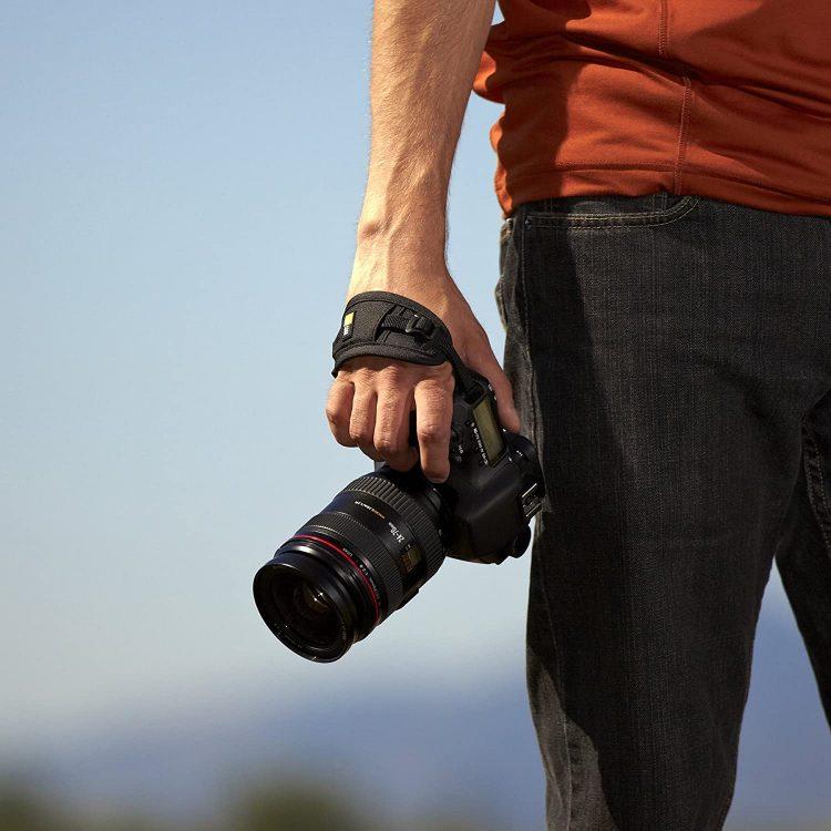 一眼レフのハンドストラップ15選。撮影を手元で支えられる便利なアイテム