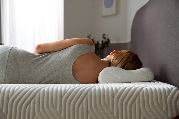 安眠枕のおすすめ14選。ニトリやテンピュールなどの人気モデルをご紹介
