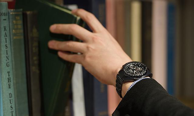 チタン腕時計のおすすめ18選。軽くて使い勝手も良好