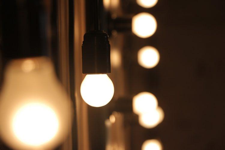 【2021年版】LED電球のおすすめ15選。選び方と人気メーカーをご紹介