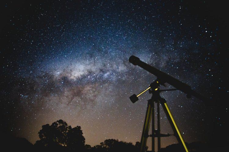 天体望遠鏡のおすすめ8選。初心者にもぴったりのモデルをご紹介