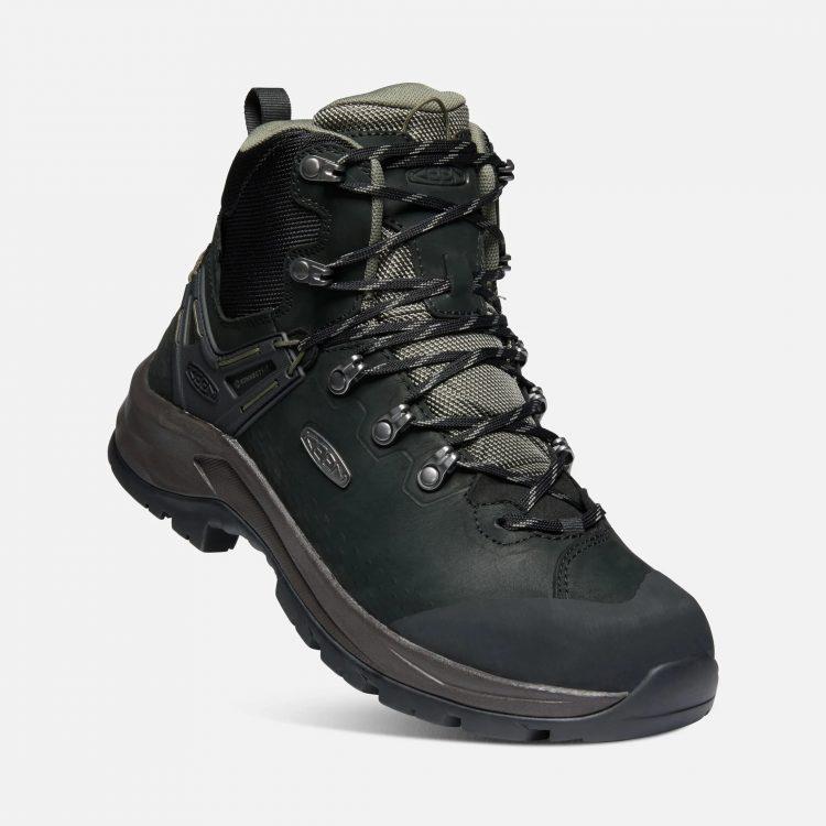 トレッキングシューズ(登山靴)のおすすめ20選。人気ブランドのモデルをご紹介