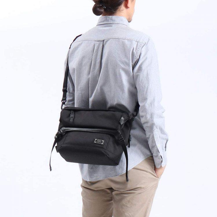 メッセンジャーバッグのおすすめブランド10選。普段使いできる人気モデルを厳選