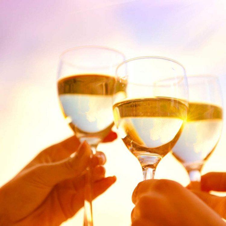 白ワインのおすすめ銘柄35選。辛口と甘口に分けてご紹介