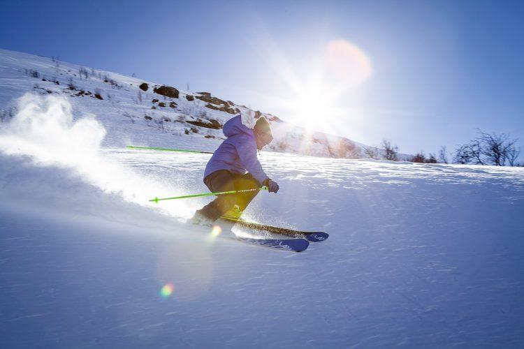スキー板のおすすめ22選。初心者や中級者の参考となる選び方についても解説