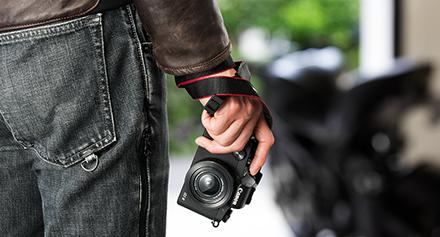 自撮り機能付きデジタルカメラのおすすめ13選。液晶や手ぶれ補正をチェック