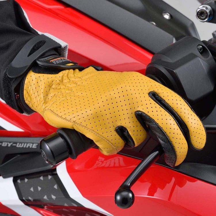 バイク用グローブのおすすめ25選。夏用と冬用に分けてご紹介