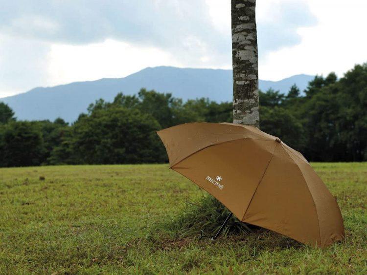 メンズ折りたたみ傘のおすすめ20選。人気ブランドの軽量モデルをご紹介