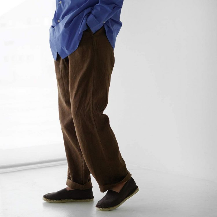 リネンパンツのおすすめ20選。汗ばむ季節でも快適に過ごせるメンズファッションアイテム