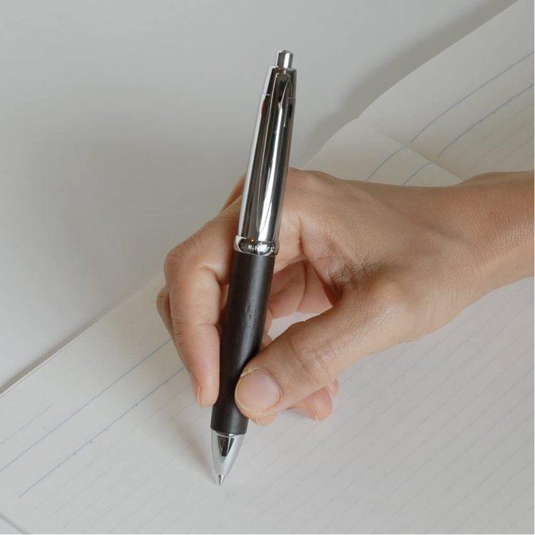 三色ボールペンのおすすめ25選。1本あればさまざまなシーンで活躍