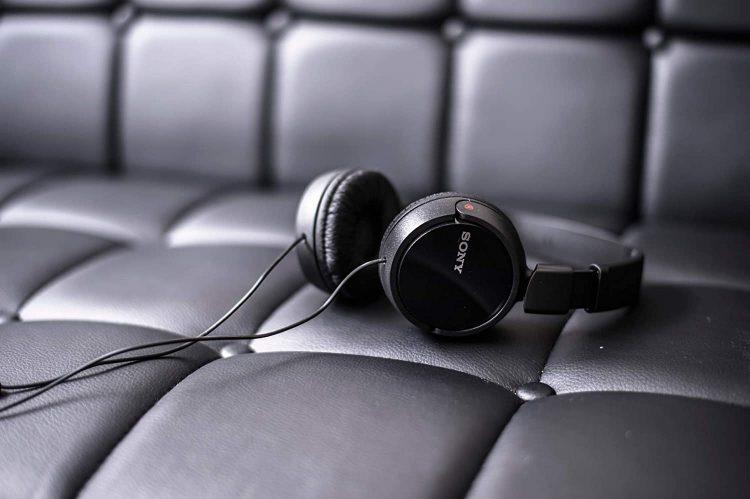 密閉型ヘッドホンおすすめ34選。高音質で人気の高級モデルもご紹介