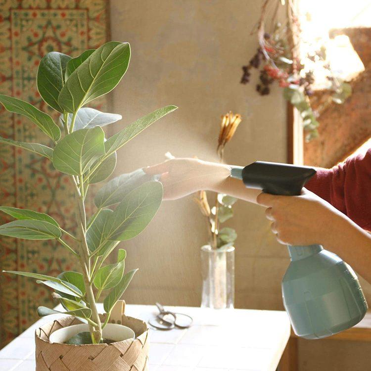 霧吹きのおすすめ20選。掃除や消毒、ヘアスタイリングにも使える